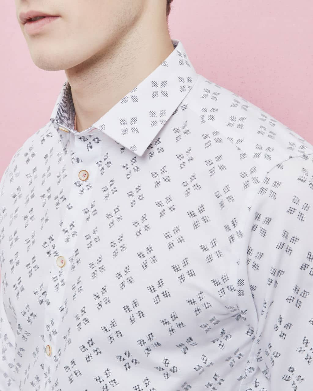 5655cf4e4 TED BAKER LONDON WHITE LAAZE GEO PRINT COTTON SHIRT